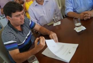 Prefeito assina ordem de serviço e empresa já pode iniciar o projeto de 'Requalificação' do Centro Histórico