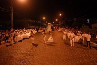 Lavagem das Escadarias do Rosário de Penedo atraí milhares ao tradicional ritual